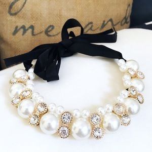 🎀 NEW • Pearl & Crystal Statement Necklace